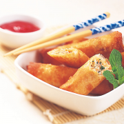 Crispy spring rolls with crabs
